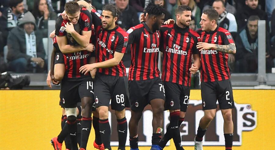 AC Milan kæmper for en plads i top-4, der giver adgang til Champions League i næste sæson. I kulissen kæmper klubben for at undgå en straf fra Uefa. Massimo Pinca/Reuters