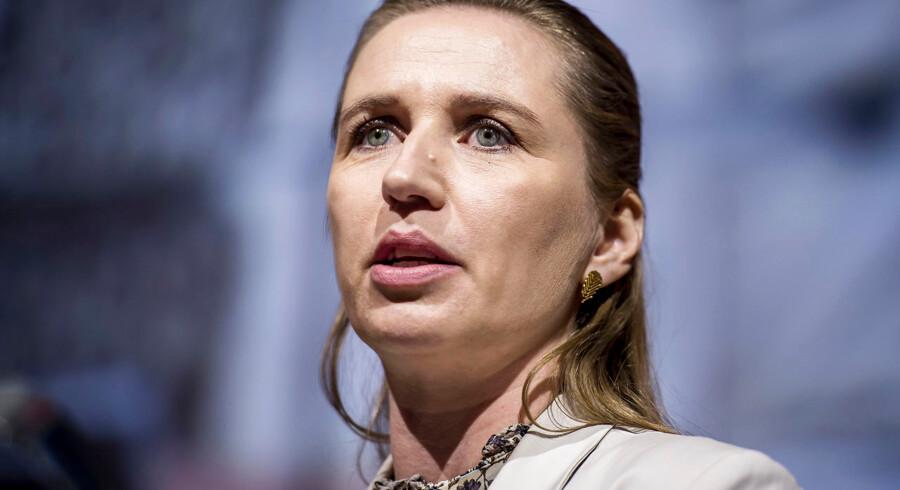 Vil S-formand, Mette Frederiksen, kunne modstå kravet fra resten af rød blok om at svække udlændingepolitikken? Det spørgsmål vil Venstre gerne gøre til en central del af valgkampen.