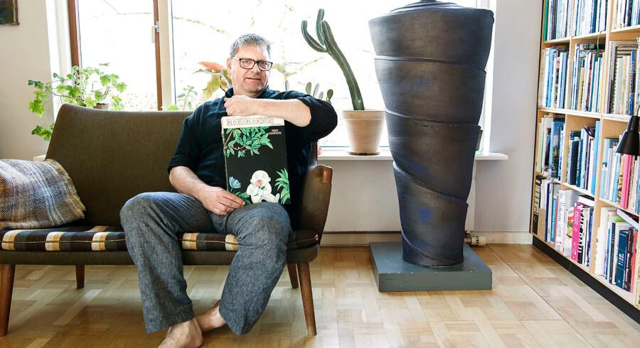 Keramiker Christian Bruun ville både redde skålen, han smuglede ud af Vietnam, og familiehistorien fra København - og fik han mulgihed for det, så også hans foretrukne højtlæsningsbog »Månemanden«, der er oversat af Tove Ditlevsen.