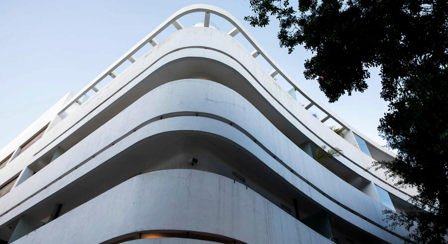 Mirenberg House fra 1936 ligger på på den centrale plads Dizengoff Square, som er et godt sted, hvis man vil se nogle af de flotteste eksempler på Tel Avivs Bauhaus-arv.