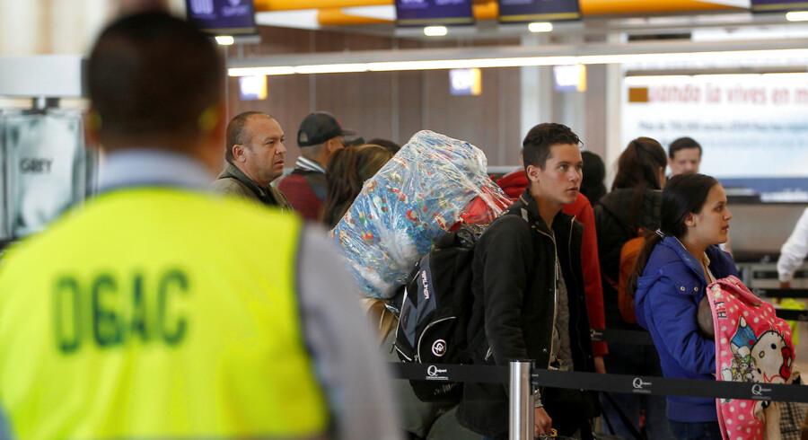 Torsdag blev grundlæggeren af Wikileaks, australske Julian Assange, anholdt på Ecuadors ambassade i London. Natten til fredag blev endnu en »nøgleperson« anholdt i Ecuadors internationale lufthavn, Quito. Dette er et arkivfoto fra lufthavnen og stammer ikke fra anholdelsen. (ARKIV)