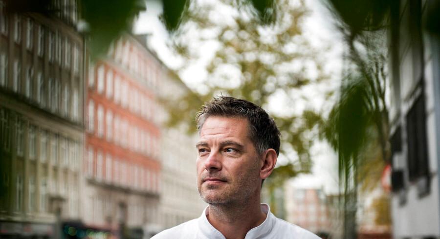 Arkivfoto. Michelin-kok og indehaver af bladt andet Kiin-Kiin og Ricemarket Henrik Yde-Andersen er ikke imponeret over Københavns Kommunes Teknik- og Miljøforvaltnings håndtering af udendørsserveringer. »Der sidder nogle konger og bestemmer derinde,« siger han.