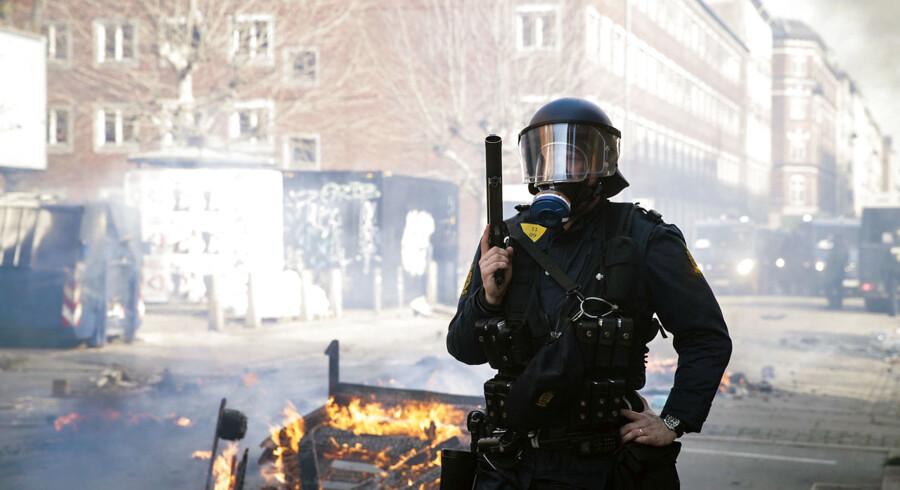 Søndag den 14. april 2019 var der uroligheder på Nørrebro i København efter Stram Kurs og partistifter Rasmus Paludan havde forsøgt at afholde demonstration på Blågårds Plads. Her tog en mand, som var iført en sort trøje med Islamisk Stats logo, kontakt til politiet.