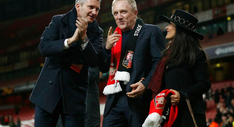 Milliardæren Francois-Henri Pinault (i midten) ejer fodboldklubben Stade Rennais. Han er gift med den mexicanske skuespiller Salma Hayek (til højre).