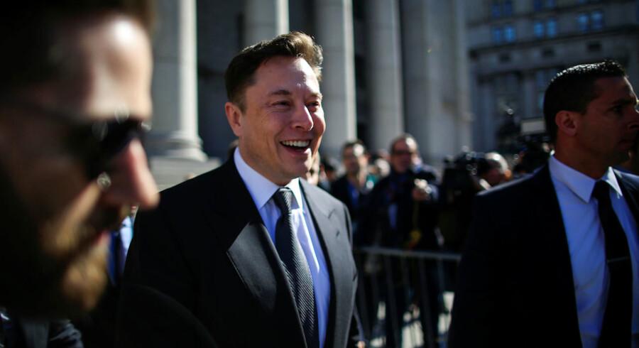 Teslas topchef, Elon Musk, har en løn, der er 40.668 gange højere end hans ansatte med lavest løn.