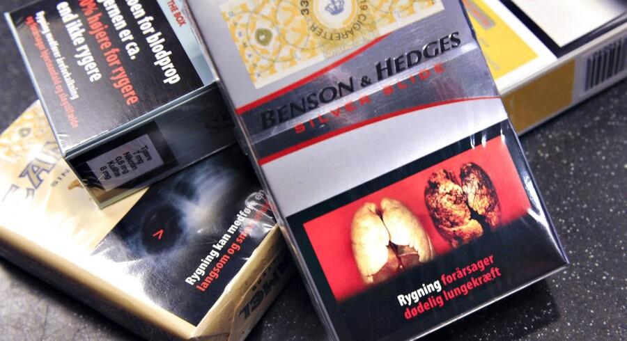 Joachim B. Olsen advarer mod højere tobaksafgifter: »41 pct. af rygerne er arbejdsløse eller pensionister. Og næsten alle af de mest socialt udsatte borgere ryger. Det er disse mennesker, som højere afgifter vil ramme hårdest. Er det virkelig rimeligt?«