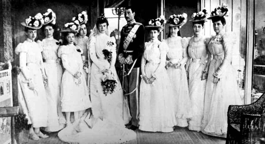 Prins Christian (1870-1947) (Kong Christian X) giftede sig i 1898 med Alexandrine af Mecklenburg-Schwerin (1879-1952). Bryllupsbillede fra »Villa Wenden« i Cannes.