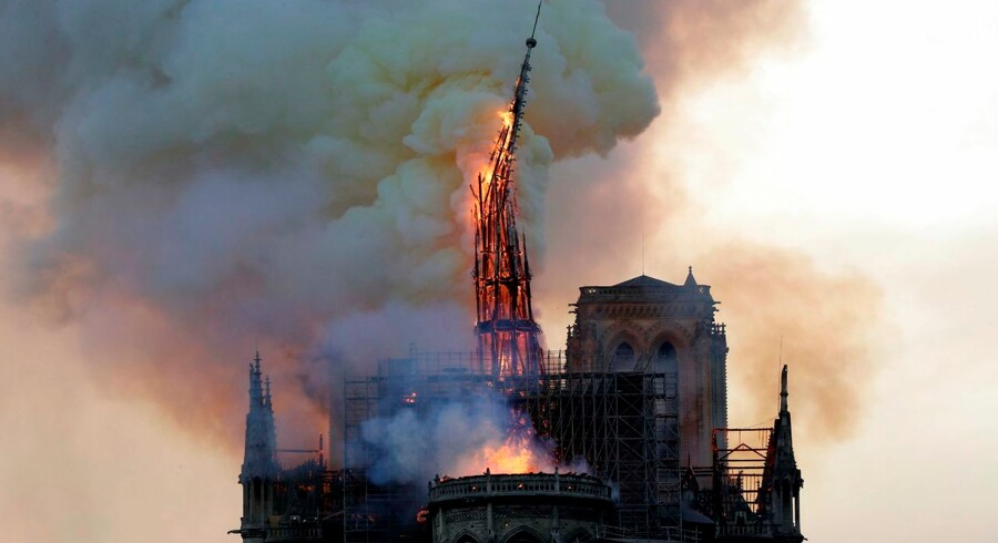 Det lignede begyndelsen til enden, da Notre-Dames gotiske spir bukkede under for flammerne. Men det kunne være gået meget værre, og flere uvurderlige kunstskatte blev mirakuløst reddet.