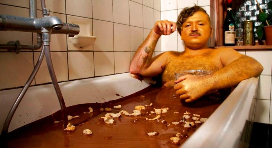 Kokken og kroejeren Umut Sakarya er dansk-tyrkisk. En nye serie på DR3 tegner portræt af ham. Foto: DR3
