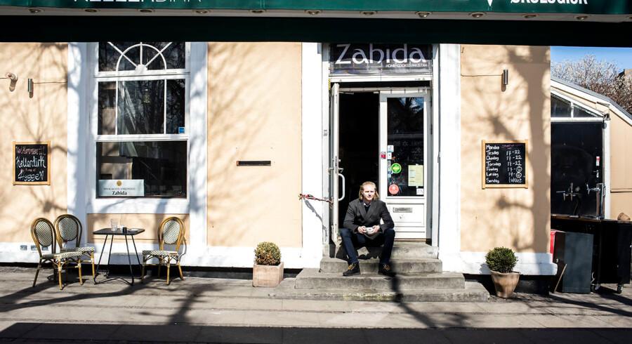 Daglig leder Robin Ungermann foran Café Kellerdirk på Frederiksberg. Den legendariske café skal rives ned for at give plads til et nyt væksthus ved siden af Aveny-T. »Men indtil januar 2020 fortsætter vi som hidtil med restaurtant og events,« forsikrer Robin Ungermann.
