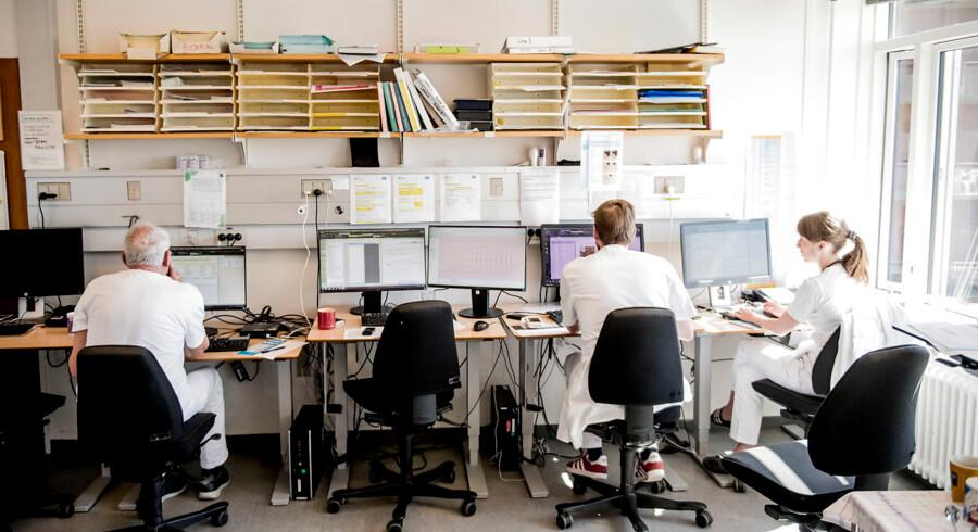 Hvordan kan sundhedsministeren og Styrelsen for Patientsikkerhed sidde og være vidende om, at de to sjællandske regioner har et journalsystem som de ikke kan styre? spørger psykolog Flemming Rasmussen.