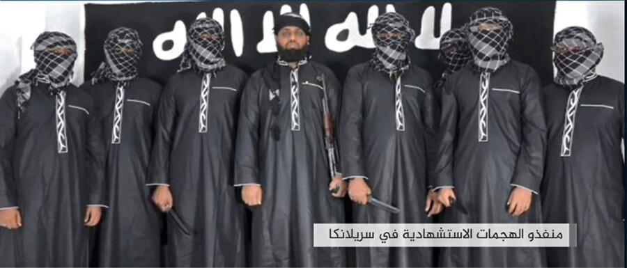 Islamisk Stat har påtaget sig ansvaret for terrorangrebene i Sri Lanka og hævder, at dette er de selvmordsbombere, der stod bag. Det er ikke bekræftet fra nogen side.
