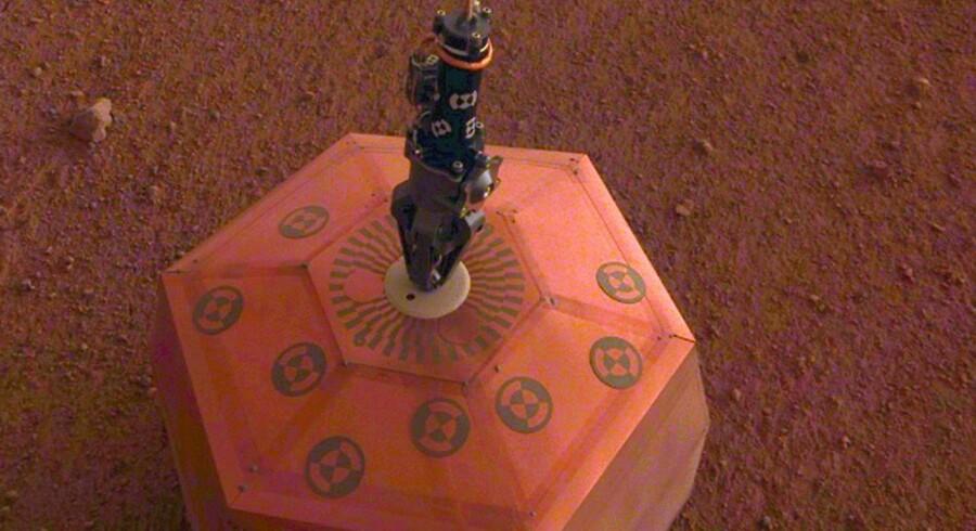 Det ret svage skælv på Mars blev opfanget af NASAs InSight-instrument, der landede på Mars i november i fjor.