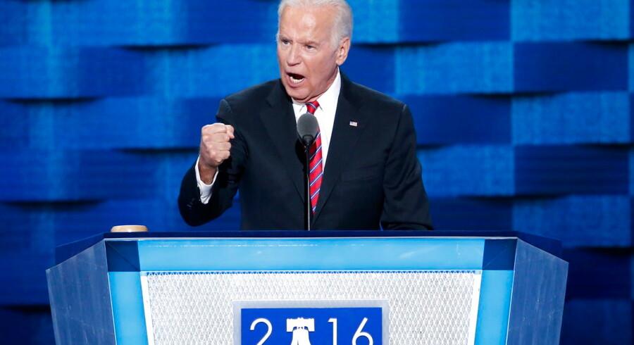 Så er Joe Biden officielt udfordrer til præsident Trump. Det forudsætter dog, at han først bliver valgt som Demokraternes præsidentkandidat, og det kan blive svært, da uenigheden om blandt andet en evt. rigsretssag mod Trump skiller vandene i partiet. Foto: EPA/Ritzau Scanpix