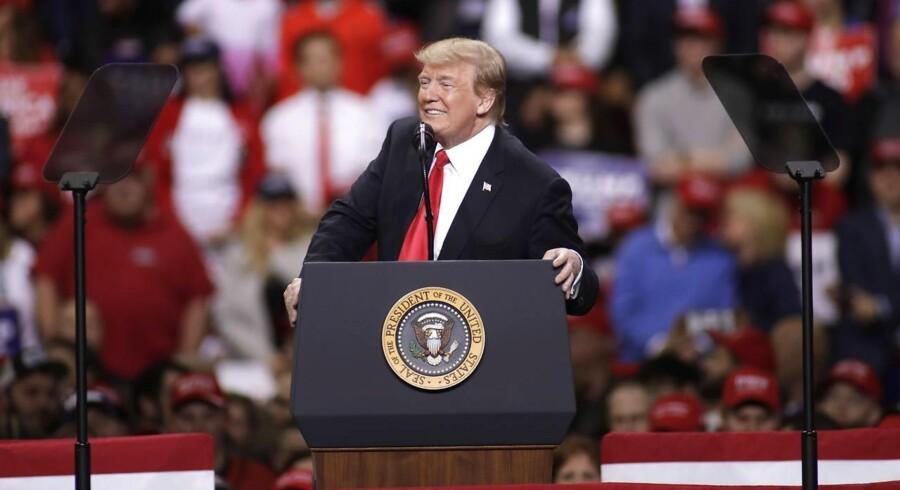 »På trods af, at Mueller-undersøgelsen frikendte Trump og hans stab for at havde konspireret med Rusland, nægtede de etablerede medier og Demokraterne at godkende konklusionen,« skriver Bent Blüdnikow.