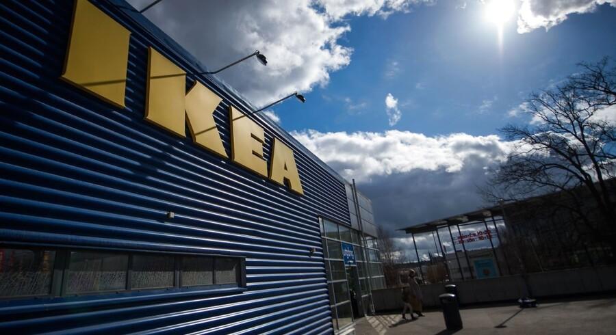 »Vi vil gerne forebygge, at der kan være flere hændelser. Det er rigtig vigtigt, at vi får fortalt de kunder, som har købt det her møbel, at de skal huske at montere sikkerhedsbeslaget,« siger Tina Lindharth, der er kommunikationsansvarlig i Ikea Danmark.