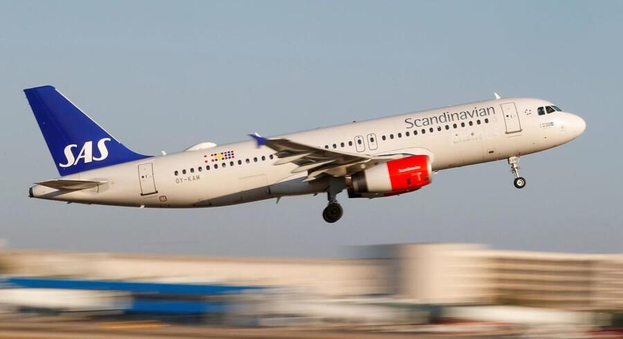 Så kom ny overenskomst for piloterne i SAS i hus. Investeringsøkonom i Nordnet Per Hansen mener, at det bliver en dyr aftale for SAS. Den kommer til at give SAS en ekstra udgift til lønninger på 760 mio. kr., mener han.