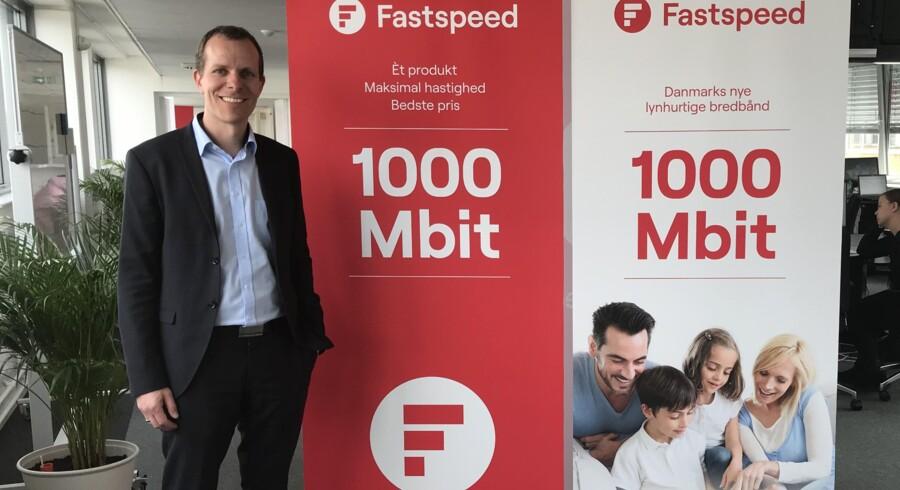 Ingen begrænsninger på hastigheden og halv pris af konkurrenterne er administrerende direktør Jens Raiths køreplan mod succes for landets nyeste bredbåndsleverandør, Fastspeed, som går efter foreløbig 20.000 kunder. Foto: Fastspeed