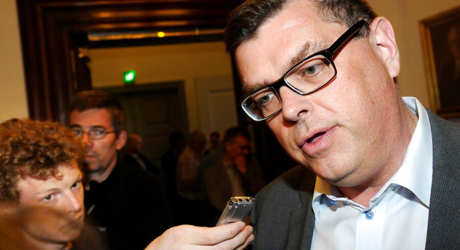 Mogens Jensen fra Socialdemokratiet fortæller, at partiet ikke kommer til at tage stilling til aftalen om Radio24syv, før valget er slut.