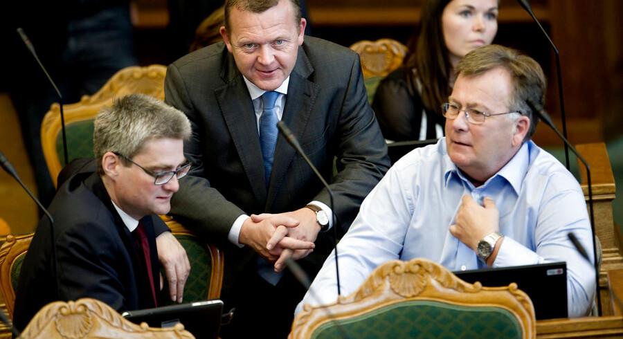 Tidligere V-mininster Søren Pind kritiserer Venstre for at være medskyldig i, at borgerligheden, ifølge ham, er i krise. Men det afviser forsvarsminister Claus Hjort Frederiksen (V).