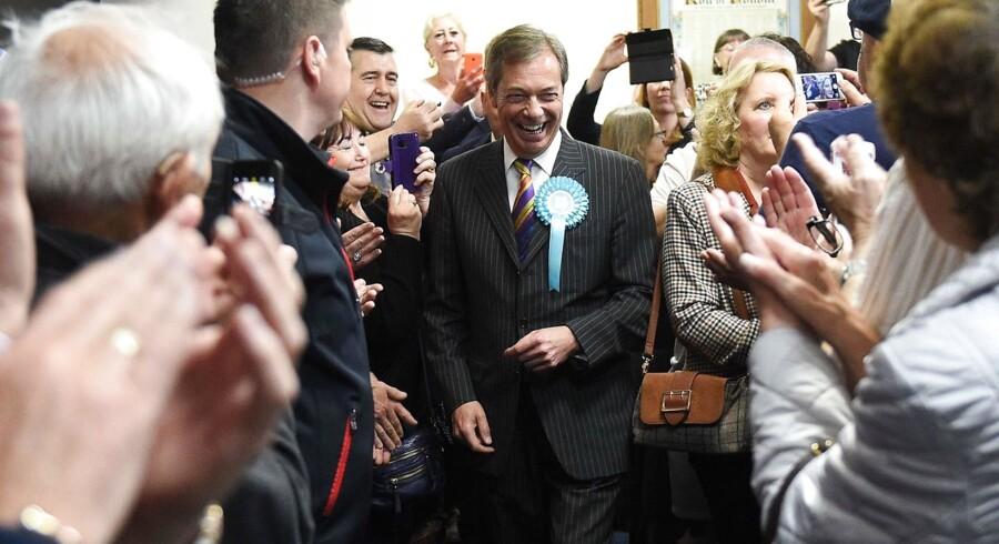 Nigel Farage har for længst forladt sit gamle UKIP-parti, som han brugte som effektiv rambuk mod det britiske EU-medlemskab. Nu har han dannet et nyt parti for at presse på for det klarest mulige brud med EU. En overvældende succes har givet ham smag på meget mere med en plads i Underhuset og en fremtidig indflydelse på britisk politik.