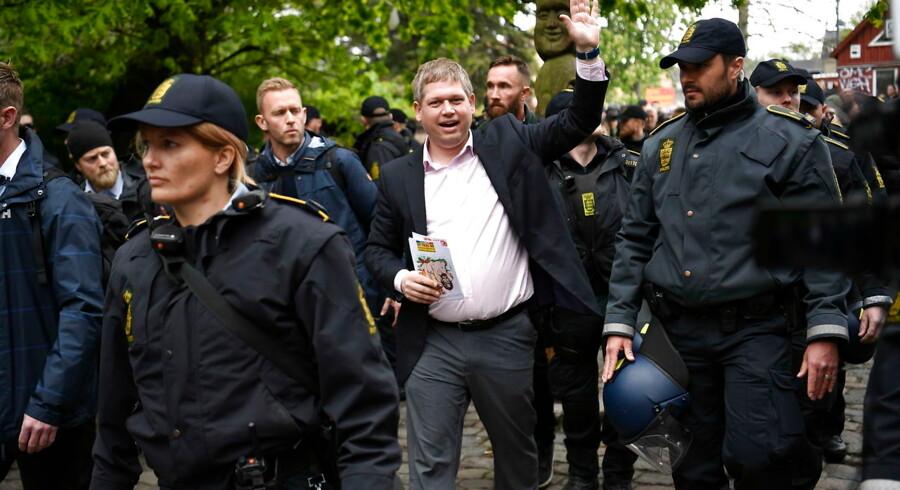 Partistifter Rasmus Paludan fra Stram Kurs demonstrerer på Christiania i København torsdag den 9. maj 2019. Nu er det blevet opgjort, hvor mange penge politiet har brugt på at beskytte ham under hans demonstrationer.