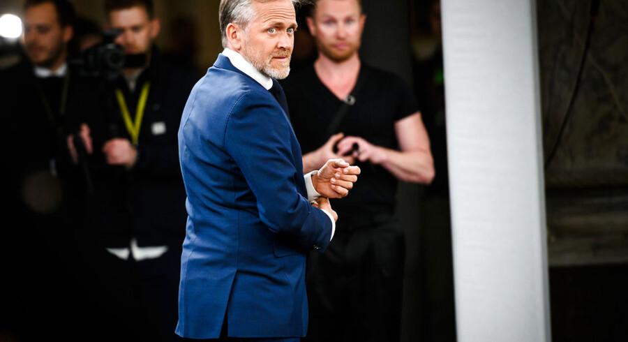 Anders Samuelsen (LA) får ikke hele scenen for sig selv, men Lars Løkke Rasmussens sving ind mod midten skaber et nyt rum for Liberal Alliance frem mod valgdagen.