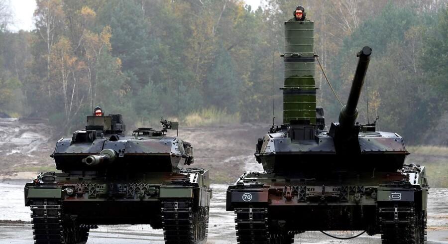 Danmarks forsvarsforbehold står i vejen for, at vi kan deltage i EU militære samarbejde. Forbeholdet kan komme til afstemning i næste folketingssamling. Arkivfoto: Patrik Stollarz/Ritzau Scanpix