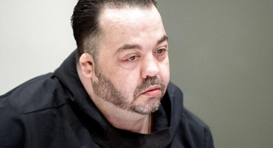 Niels Högel er anklaget for at have dræbt hundrede patienter. Fotografi fra retssalen i Oldenburg.