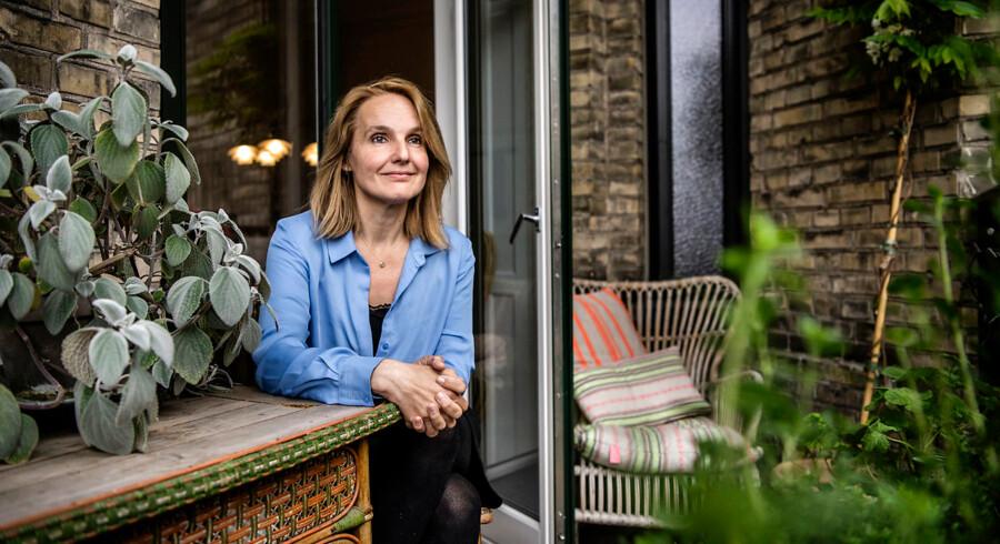 Sussie Vig er rekvisitør på Det Kongelige Teater, indehaver af antikvitetsbutikken »Fortællinger« og professionel tingfinder.