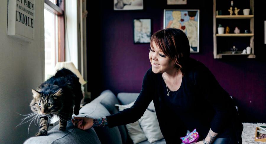 Cindy Eriksen har stemt på Dansk Folkeparti ved de sidste to folketingsvalg. Denne gang overvejer hun at stemme på Nye Borgerlige eller Stram Kurs.