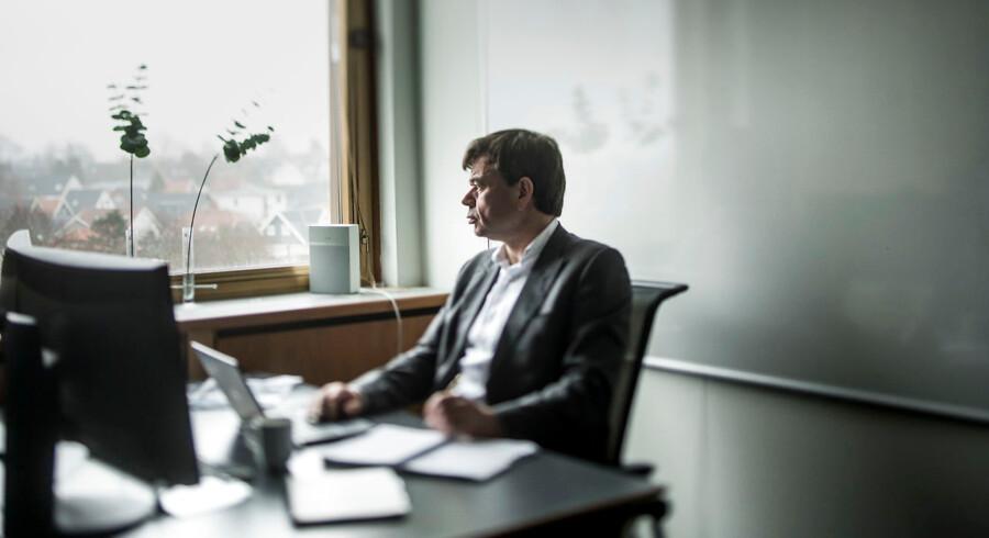 Michael Hjalsted er i tvivl om, hvem der skal have hans stemme ved folketingsvalget. Han savner lederskab og langsigtede visioner i valgkampen og mener, at Lars Løkke Rasmussen er blevet for kompromissøgende på bekostning af det borgerlige.
