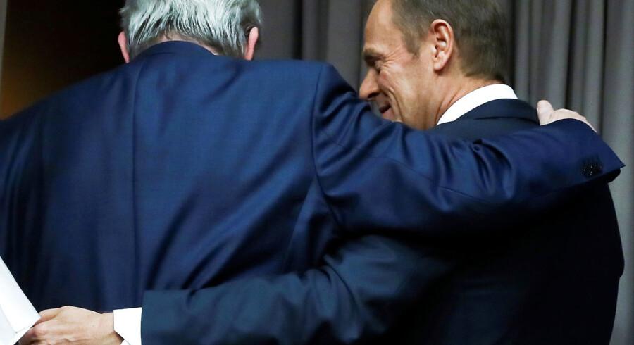 Toppen af EU er en mandeklub. Der har aldrig siddet en kvinde. I øjeblikket er Jean-Claude Juncker formand for Europa-Kommissionen og Donald Tusk formand for Det Europæiske Råd. Snart skal deres afløsere findes. REUTERS/Yves Herman