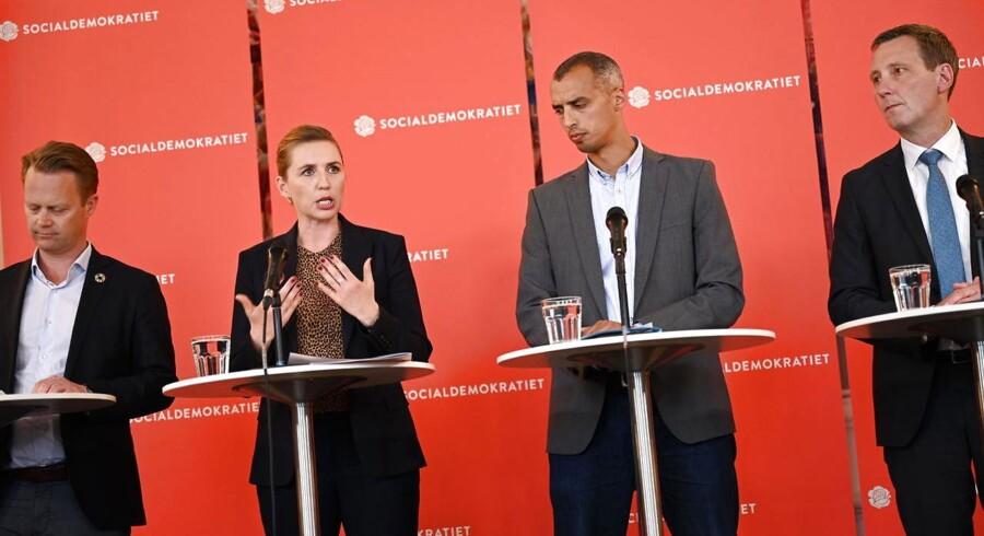 Formand for Socialdemokratiet Mette Frederiksen, udenrigsordfører Nick Hækkerup, udlændingeordfører Mattias Tesfaye og spidskandidat til Europa-Parlamentet Jeppe Kofod præsenterer partiets helhedsplan for dansk udlændingepolitik på Christiansborg.