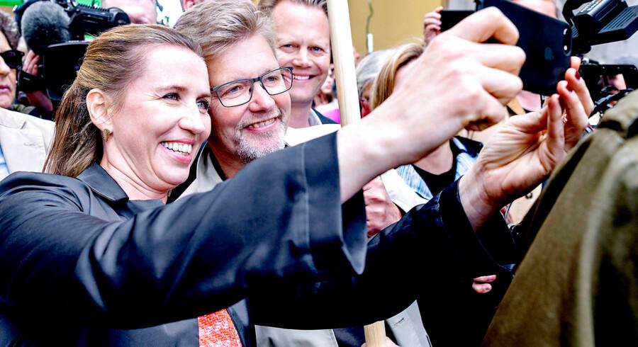 FV19. Den 16-årige svenske klimaaktivist Greta Thunberg deltog lørdag d. 25. maj 2019 i Folkets Klimamarch i København. Her er det Mette Frederiksen (S) der tager en selfie med overborgmester Fransk Jensen (S)