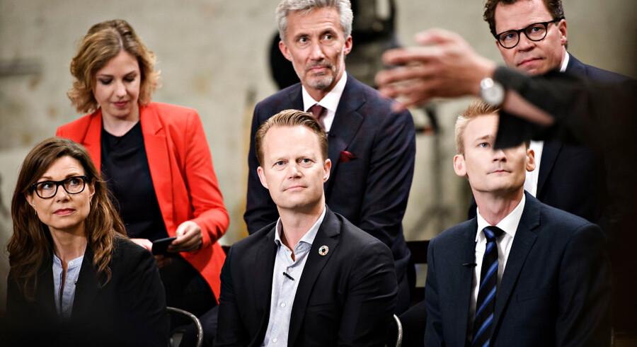 Morten Helveg Petersen (øverst til højre) kan godt finde det store smil frem, hvis valget søndag går som en meningsmåling fra Kantar Gallup peger på. Foto: Philip Davali/Ritzau Scanpix