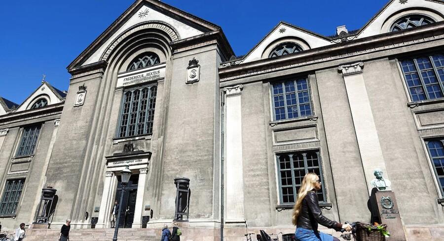 Rasmus V. Nielsen skriver om at være studerende på det juridiske faktultet, KU: »Hvad skete der med viden for videns skyld? Hvad skete der med at forny og ændre verden? Det eneste, vi formår at forny og ændre, er vores studieteknik.«