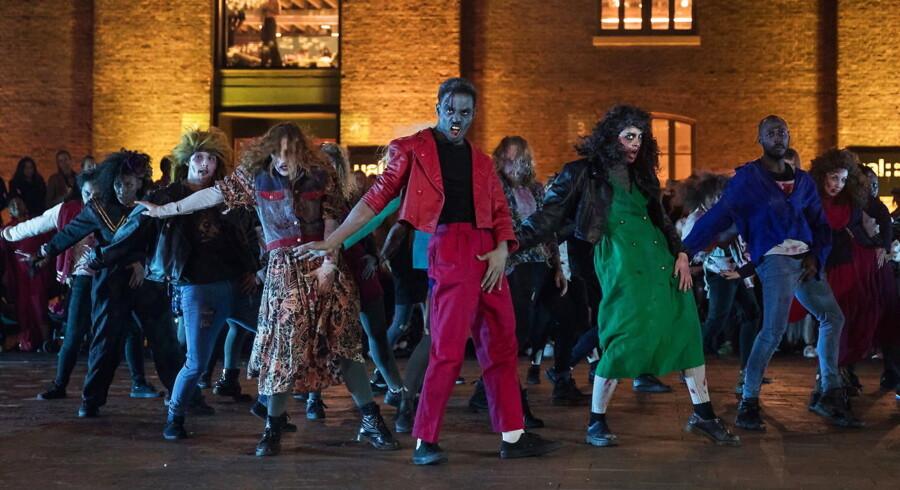 Andelen af europæiske virksomheder, der passer under »zombie«-betegnelsen, er steget i takt med lavere vækst og historisk lave renter. Billedet viser dansere, der opfører Michael Jacksons hit »Thriller«.