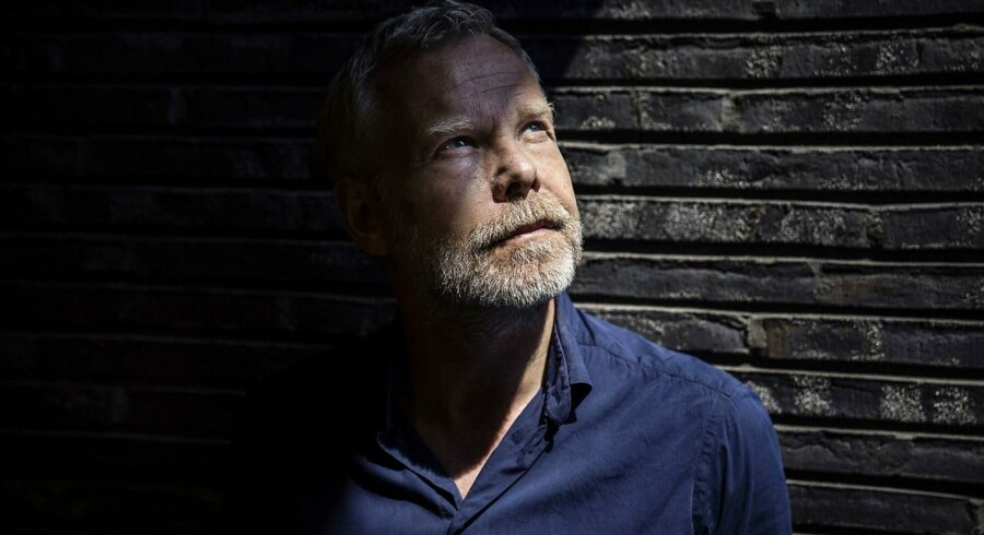 »I stedet for bare at brokke sig, tror jeg, det er sundt engang imellem faktisk at gøre sig klart, hvad man havde forventet. For det er måske der, ulykken ligger,« siger skuespilchef Morten Kirkskov.