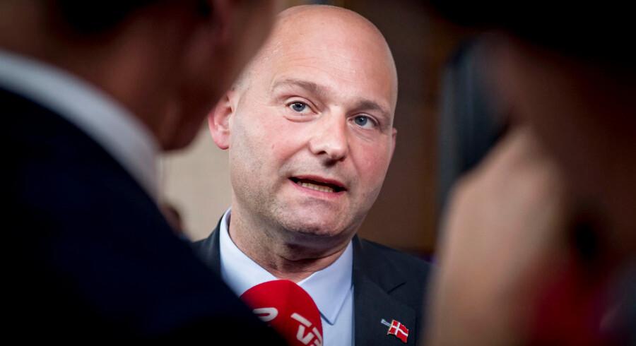 Ifølge Justitsministeriet – under ledelse af Søren Pape Poulsen (K) – skulle der være 108 politistationer i Danmark. Ifølge eksperter og politikere er det dog lidt af en overdrivelse.
