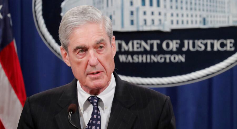 Specialundersøger Robert Mueller holdt i sidste uge et pressemøde om sin 448 sider lange rapport. Men Demokraterne vil høre mere. Selv hvis han ikke vil komme til dem frivilligt.