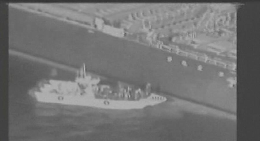 Still-billede fra den video, som det amerikanske militær har offentliggjort her til morgen. USA hævder, at båden tilhører den iranske revolutionsgarde.