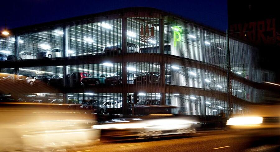 Kasper Skaanning skriver om parkeringsdiskrimination i København: »Da jeg for få måneder siden boede på Amagerbro, betalte jeg under 800 kr. for at få et års parkeringsret til P-pladser på de kommunalt ejede gader, der ofte er helt fyldt med biler.«