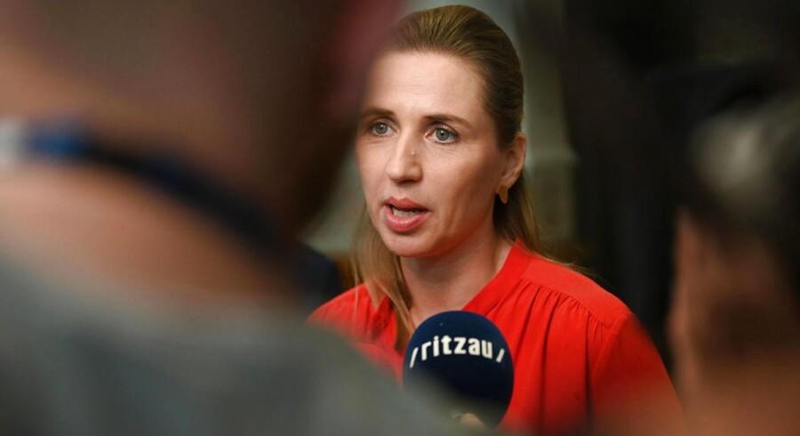 Mette Frederiksen (S) kommer sandsynligvis til at sætte sig i statsministerstolen, men hun skal passe på, når hun i givet fald skal forhandle den første finanslov hjem til efteråret. Sådan lyder advarslen fra de økonomiske vismænd.