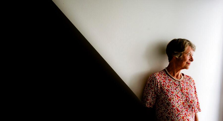 Tirsdag skulle Lisbeth Rømer, der tidligere var afdelingsleder for det kontor i Skat, der stod for udbetaling af refusion af udbytteskat, have været afhørt af Undersøgelseskommissionen om Skat. Afhøringen blev imidlertid udsat, da hun efter gentagne opfordringer fra kommissionen nu har ønsket at få beskikket en bisidderadvokat.
