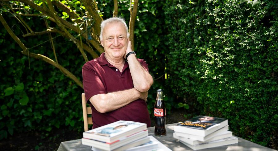 68-årige Preben Weissenborn var bedst af alle i Berlingskes »Tip en 13er om valget« om folketingsvalget, og han har derfor vundet en gavepakke med et hav af signerede politiske bøger og en Coca-Cola Zero signeret af fungerende udlændinge- og integrationsminister Inger Støjberg (V).