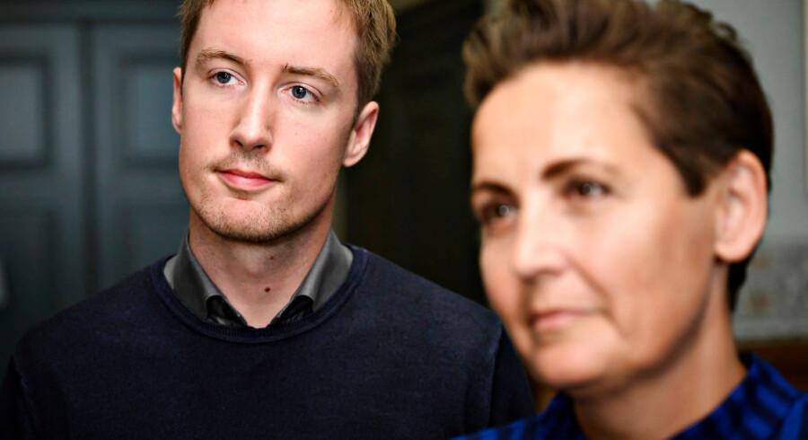 Pia Olsen Dyhr og Jacob Mark fra Socialistisk Folkeparti ses her ankomme til regeringsforhandlingerne med Socialdemokratiet på Christiansborg onsdag 12. juni 2019.