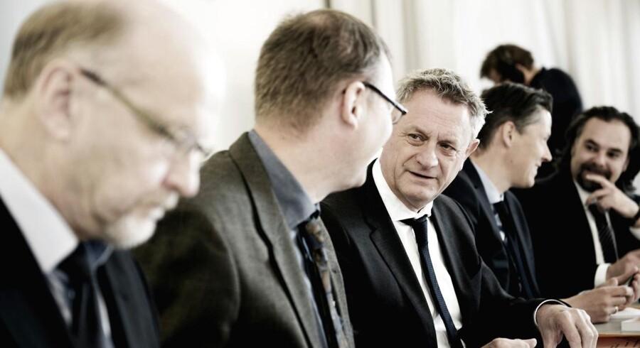 »Hvis der er noget, som der på tværs af partierne er enighed om, så er det behovet for flere iværksættere og flere investeringer i mindre virksomheder. Vismændene konkluderer entydigt i deres rapport, at kapital og aktier i Danmark er alt for hårdt beskattet efter inflation,» skriver Thomas Bernt Henriksen.