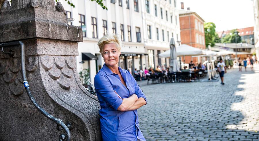 Mette Wolf, teaterdirektør på Nørrebro Teater, finder ro, når hun er på Vesterbro Torv. Både når hun kigger på de forbipasserende, og når hun er til TirsdagsJazz i Eliaskirken.