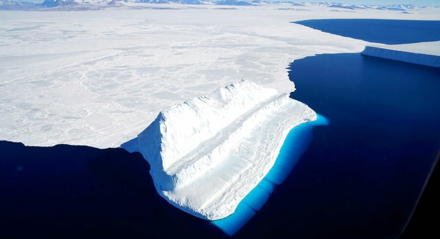 Antarktis er det koldeste kontinent på kloden. Men havisen er begyndt at smelte hurtigere.